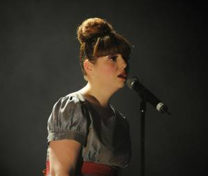 """Luce : après """"Première Phalange"""", la gagnante de Nouvelle Star 2010, sort son 2e album """"Chaud"""""""